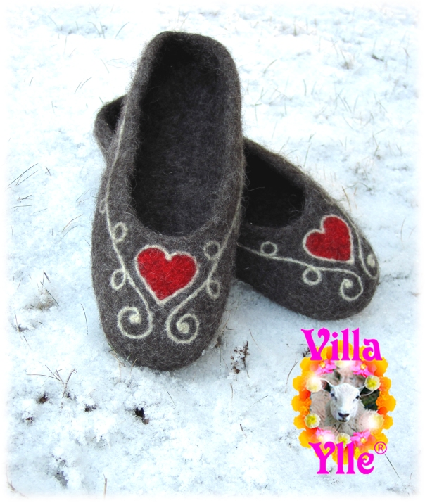 SYDÄNKÄPY huopatossut HJÄRTEVÄN filttossor  SWEETHÈART felted slippers